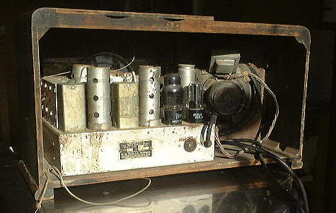 Cromwell 640 radio chassis before cabinet and chassis restoration