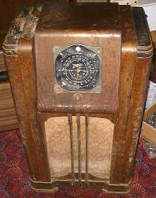 Zenith Console Radio as Received